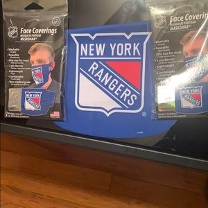 Face covering . New York rangers